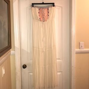 Dresses & Skirts - Strapless Dress size L